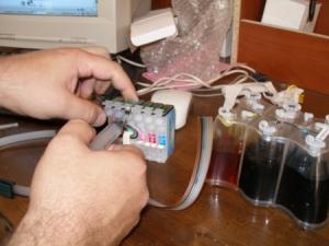 Убираем воздух из шлейфа системы непрерывной подачи чернил (СНПЧ)